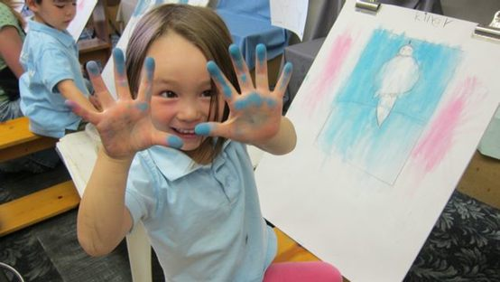 preschool_student_creating_art